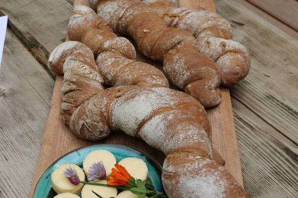 Slow Food Village Irschen Baierle Muehle Brotkostproben