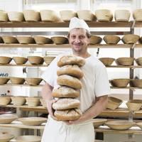 Brotbacken in der Bäckerei Matitz