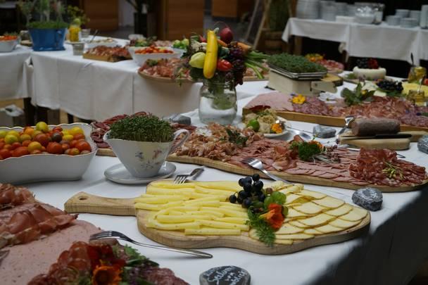 Slow Food Genussfruehstueck Berg Drautal